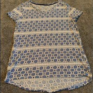Old Navy flower graphic tee